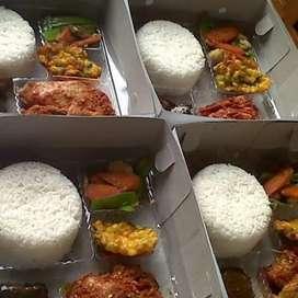 Menerima pesanan katering,nasi box  partai besar maupun kecil