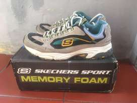 Sepatu Skechers White/Multi stamina-cutback