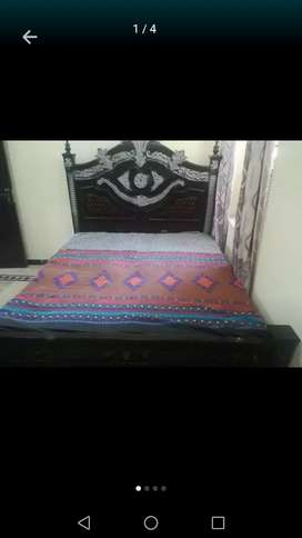 Full Bed set For Sale in low Price