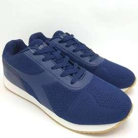 Sepatu Pria DIADORA Renardo