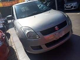 Maruti Suzuki Swift LXi, 2010, Petrol