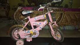Selling kids cycle in good condition