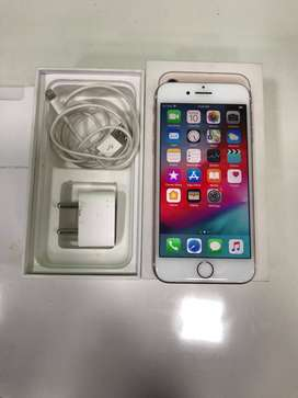 iPhone 7 32 GB LIKE NEW CONDITION, 6 Months FixDevice Brand warranty.