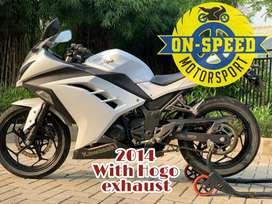 CASH CREDIT jual motor moge kawasaki ninja 250 fi putih 2014 low km