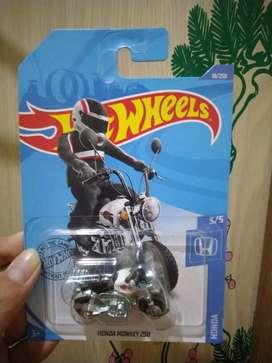 Hot Wheels Honda Mongkey Z50 Putih