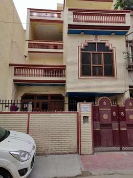 2 Bedroom -- immediately available for Rent first Floor)