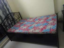 Box storage bed