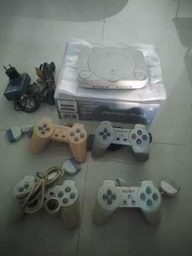 PlayStation 1 Slim (lengkap bawaan pabrik)