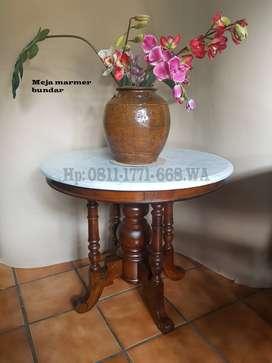 Meja marmer bundar diameter 80cm