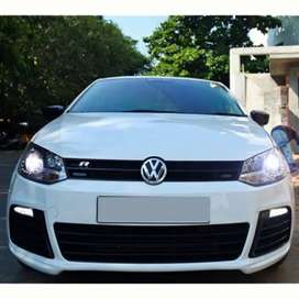 Polo r line grill with vw emblem
