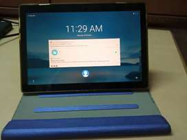 Lenovo tab m10 full hd with cover in excellent condtion
