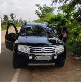 Doctor driven well maintained accident free Duster Black for imm sale