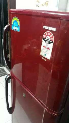 5 star Samsung refrigerator 240 litres for sale