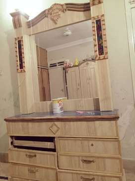 Dressing table & cupboard