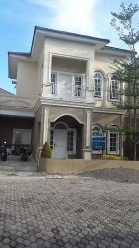 Rumah villa Komplek grand menteng(Harga Nego) .