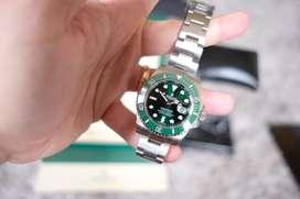 Rolex submariner Hulk Likenew