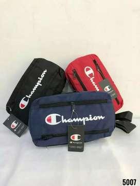 Champion slingbag