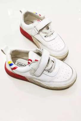 Sepatu putih kiddy sporty size 31