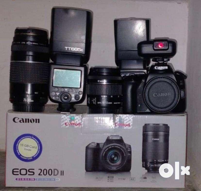 Canon 200d mark ii with full kit