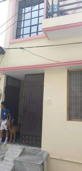 This house is available manpur rode anniya hospital on rode