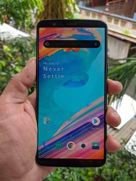 Oneplus 5T (6GB/64GB, Black Color) with Bill, Box & Original Charger