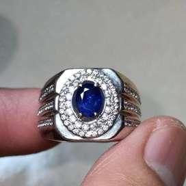 Natural Blue Sapphire Ceylon warna Royal Blue 0.8 ct memo DGL