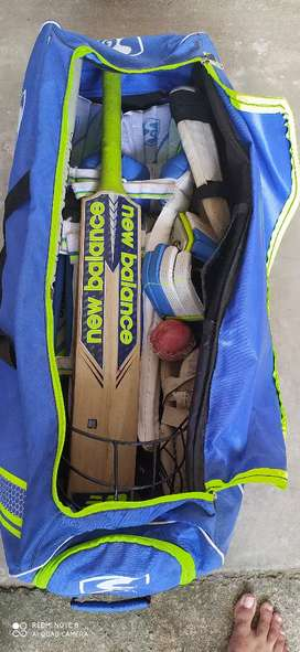 SG brand new cricket kit set.