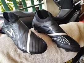 Jual sepatu bola Specs Accelerator Slaz Ukuran 43
