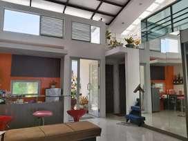 Jual Hotel/Homestay Mewah Milik Arsitek Senior Bandara BIM