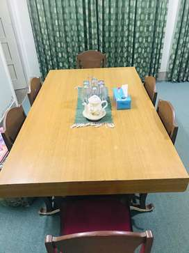 6 Seater Wooden Dinning Table (5.5X3.5)