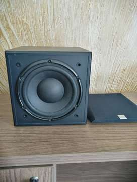 Creative Sub woofer 8 inch USA - mint condition - Deep Bass punch
