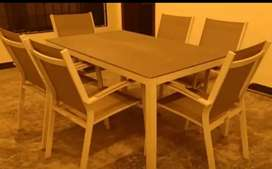 Outdoor dining unit