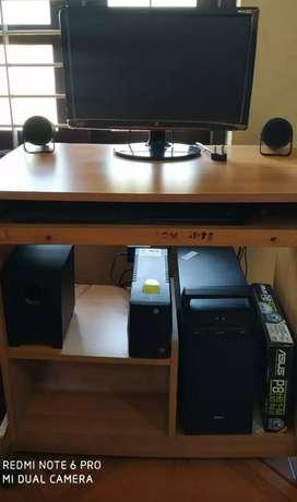 Desktop for sale..