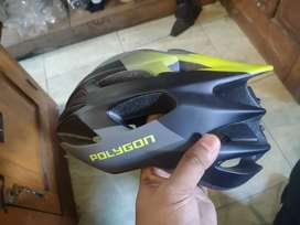 Helm polygon baru di pakai 3x