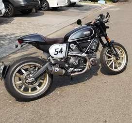 Ducati scrambel caffee racer 2016 black km 1 rb cuma ada 2 di indo