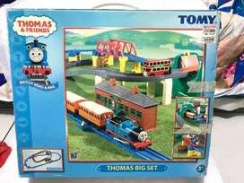 Mainan kereta thomas and friends