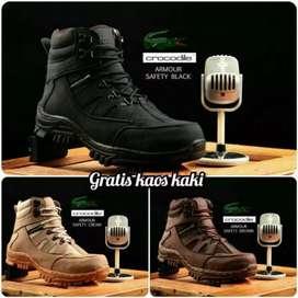 Sepatu Safety boots kerja kantor proyek Gratis kaus kaki