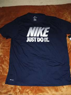 The nike tee XXL ATHLETIC CUT CORT ATHLETIC COUPE ATHLETIQUE