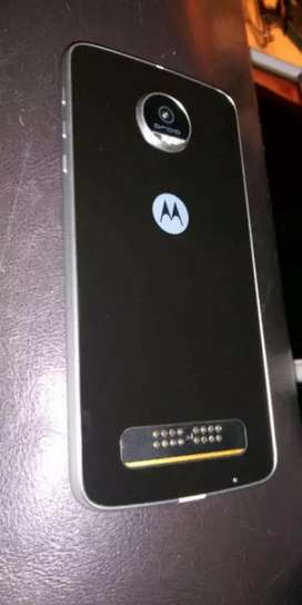 Moto z play good condition only mobile