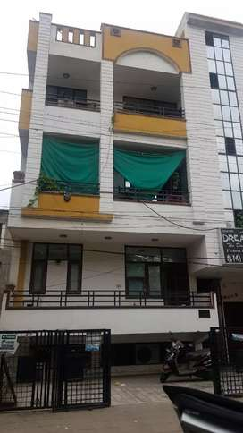 Chitrakoot 9 Bhk plus Basement East Facing 4 Floor urgent Sale