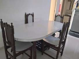6 seater dining  table with 4 chairs