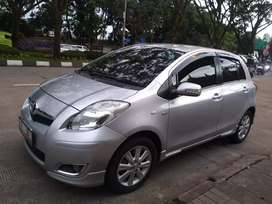 Yaris e  matic 2011 km 86rb, original