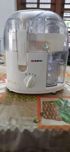 Electa juice machine