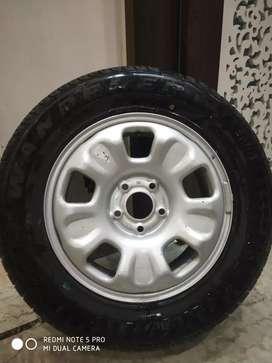 Renault Duster Rim & MRF Tyre (215/65 R16)