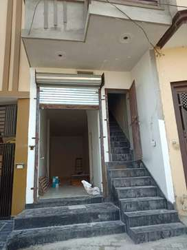 Shop for rent 8000 Rs.