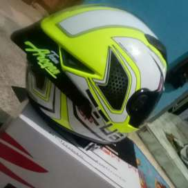 helm zeus 811.. jual atau TT
