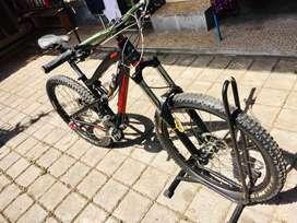 Sepeda gunung merk santacruz nomade kondisi like new buc bosan pakai