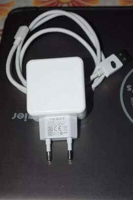 Oppo f9 pro vooc charger with cable  100%original i want to sale
