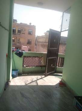 DEAL OF DEALS 100 gaj 3rd floor without parking 24 lakh nawada metro