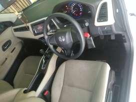 Di jual mobil HR-V